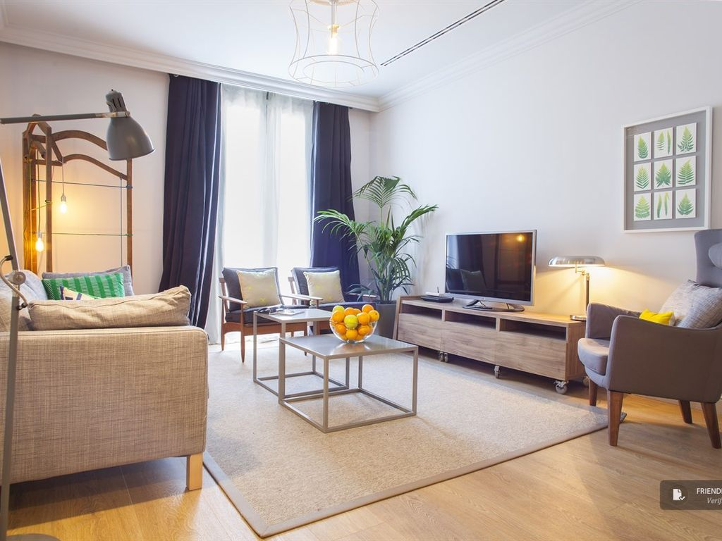 Dreta De Lu0027Eixample Apartment Rental   Contemporary, Stylish And Extremely  Central
