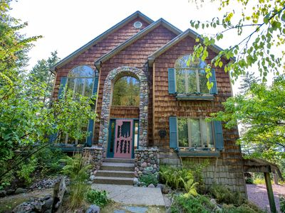 Photo for Charming Home off Big Mountain Rd! Sleeps 10! Just 5 min to Mountain or Downtown