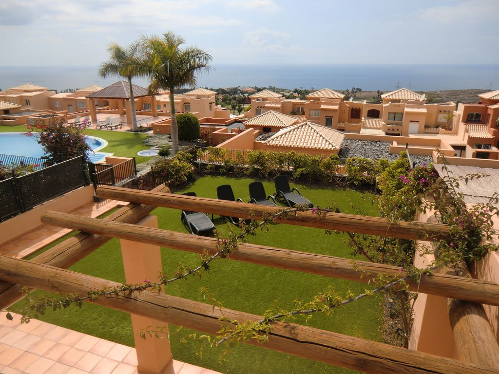 high quality 2 bed villa with private sunny garden and wonderful