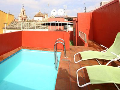 Terrace with private plunge pool (3 x 2 metres) - veoapartment
