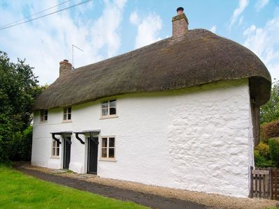 Photo for 3 bedroom accommodation in Avebury