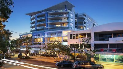 Photo for Scarborough Beach 101 - Waterviews with a pool, gym, sauna & spa