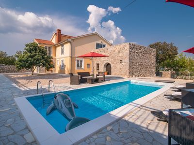 Photo for Villa with pool in Vrh Vrh, Krk