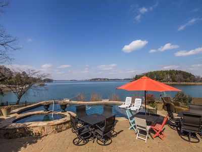 Southern Charm!! LAKE NORMAN- Waterfront, PRIVATE Pool & Dock