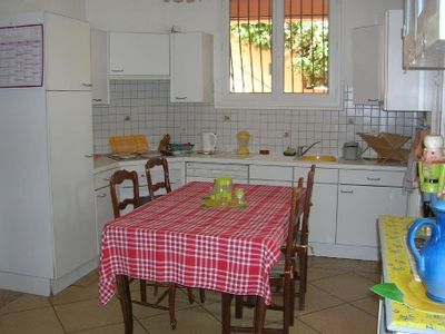 Photo for apartment in villa bottom 40 kms from Marseille, 7 access by motorway
