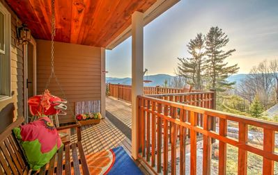 4BR Jackson Home 180° Mountain Views, from every room!!    Child & Pet friendly!