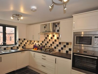 Photo for 2 bedroom Cottage in Charmouth - BLUEH