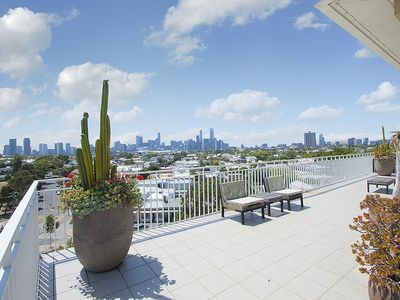 Photo for 3BR Apartment Vacation Rental in Port Melbourne, Victoria