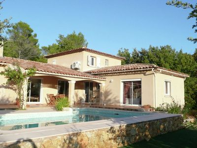 Photo for Provencal house with private pool in the Var