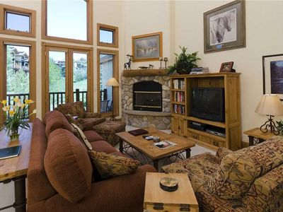 X2835 by Mountain Resorts: Easy walk to Summer Events+Outdoor Pool+Hot Tub