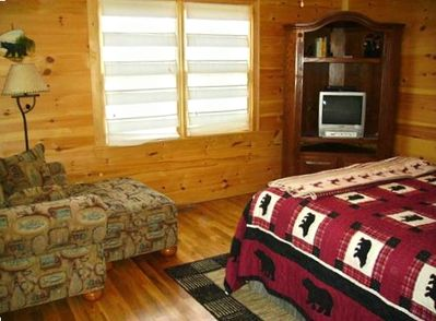 Master Second Bedroom with Queen Pillowtop, TV/DVD, Own Full Bath