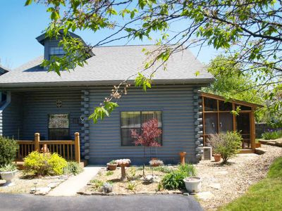 Photo for Woods Edge Cabin 2 - NO CLEANING FEES!! -Great Location-
