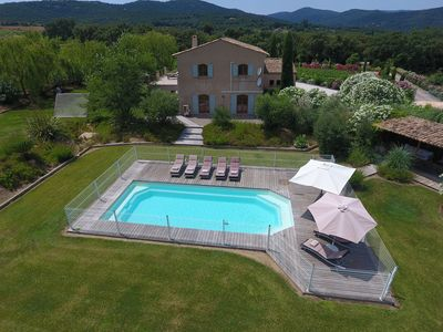 Photo for Beautiful provencal villa surrounded by vignes close to St Tropez Heated pool AC
