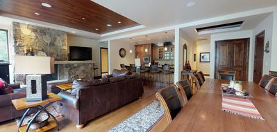 Photo for Steps from Chairlift, 4BR Platinum Condo in Vail!