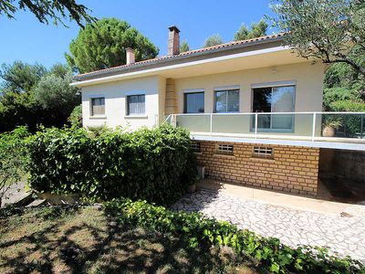 Photo for Beaucaire Gard, trendy Villa 9p. jacuzzi, 300m from shops.