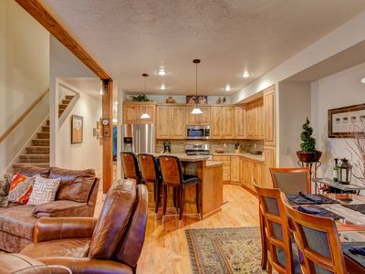 Photo for Family Friendly Townhome, Quiet Neighborhood, Less Than 10 Minutes To Lifts!!!!!