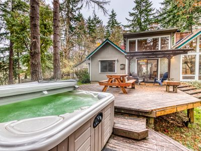 Photo for Comfortable dog-friendly retreat w/ fireplace, private hot tub, & great deck!