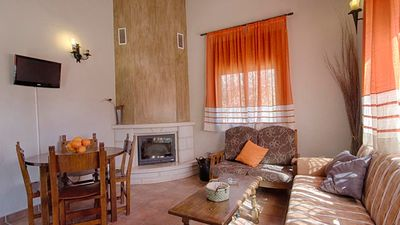 Photo for Snug holiday villa for six people in Malaga province
