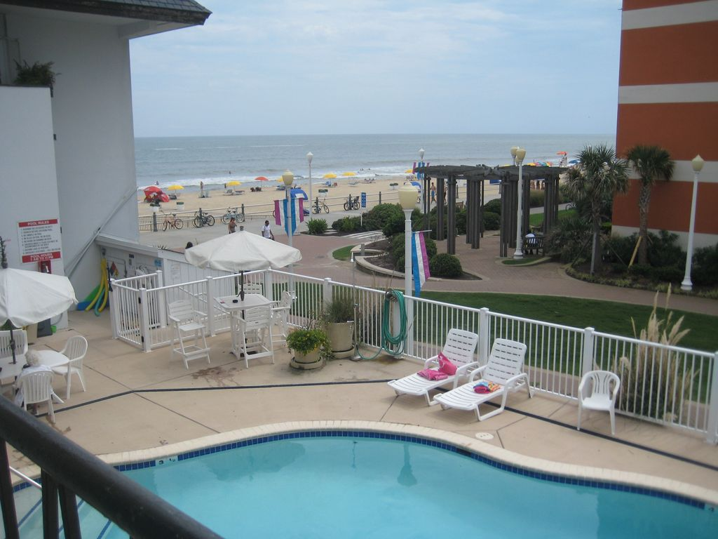 Oceanfront Complex Modern Studio On Va Beach 39 S Famous Boardwalk Northeast Virginia Beach
