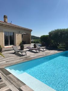 Photo for Charming villa all comfort in peace with heated swimming pool and vast garden