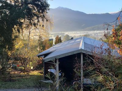Mountainview cottage overlooking Mount Bogong and Mount Beauty township.