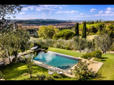 Photo for FABULOUS 4BD VILLA WITH MAGNIFICENT POOL & VIEWS, MINUTES TO DOWNTOWN FLORENCE!