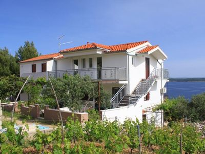 Photo for Apartment in Zavala (Hvar), capacity 4+0