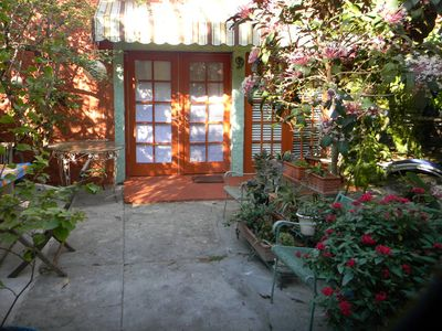 Photo for Charming Garden Cottage Close To The City Center, Health District & Wynwood