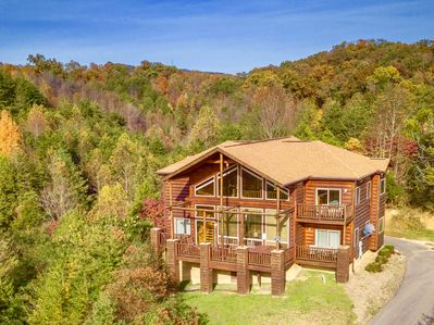 Mountains, Movies & More - New Reno~3 Kings~Private~Theater~A+ Views &  Location - Pigeon Forge