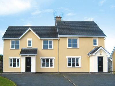 Photo for Semi-detached houses, Lahinch  in Clare - 6 persons, 3 bedrooms
