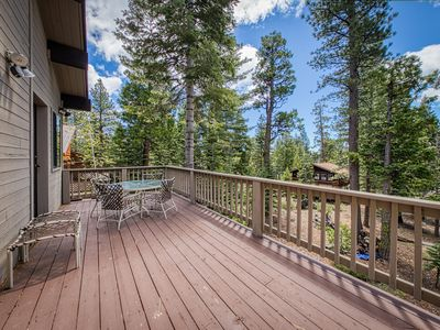 Photo for Cozy dog-friendly cabin with fireplace, spacious patio and balcony!
