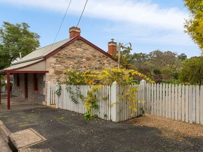 Photo for Fig Tree Cottage, Angaston Barossa Valley
