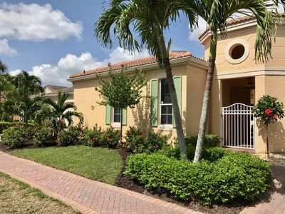 Photo for Newly renovated courtyard home with pool, 4 blocks from beach