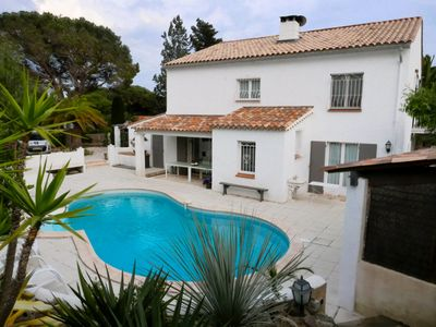 Photo for Nice benefits for this villa with swimming pool 10mns walk from the beach