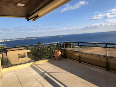 Photo for Nice apt on the 6th floor with a 180° view of Antibes Cape and the islands