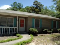 Clean, peaceful, very much a home away from home, with wonderful owners!