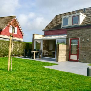 Photo for Cozy holiday home on the beautiful coast of Zeeland