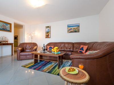 Photo for Feel Good Apartment- free parking, jacuzzi & sea view