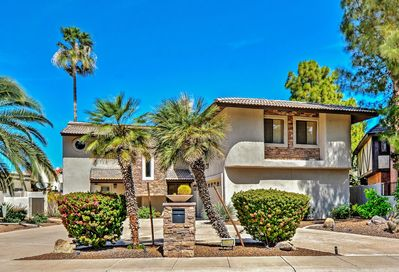 Welcome to your quintessential Scottsdale, Arizona home-away-from-home!