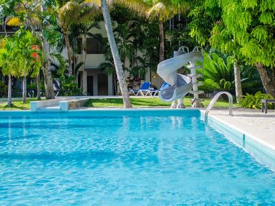 Photo for 1BD Apt in oceanfront residence, 2 pools, Wifi, cable TV, A/C, restaurant