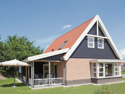 Photo for 10-person villa in the holiday park Landal Waterparc Veluwemeer - on the water/recreation lake