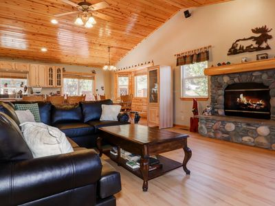 Photo for Grizzly Bear Lodge: Hot Tub! Air Hockey! Fenced Yard! Dog Friendly! Internet!