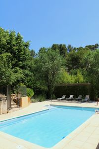 Photo for Charming villa with pool, landscaped park, near Cassis, old port