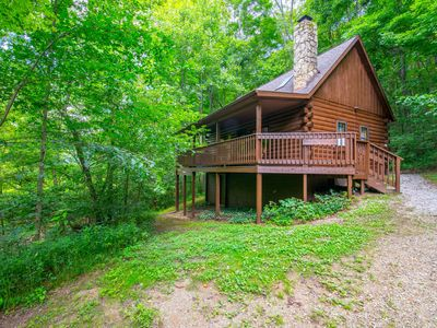 Photo for Cozy creekside cabin with 2 bedrooms. Close to Conkle's Hollow!