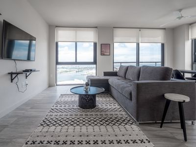 Photo for 4004-698 · Unique 2 BR w/ 5 Star Amenities | Downtown Miami