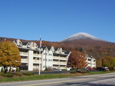 Photo for 2-flr condo at the Nordic Inn: Free in-unit WIiFi, near Loon Mtn in Lincoln, NH