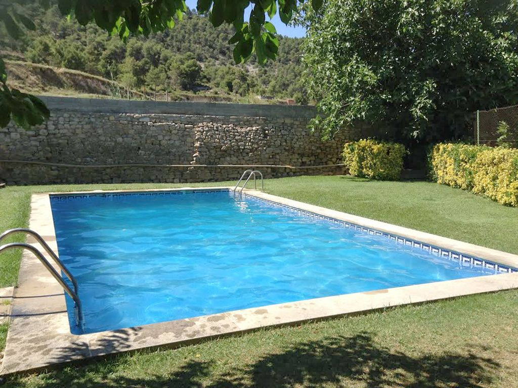 Beautiful 5 Bedroom House Outside Barcelona With A