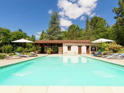 Photo for Very spacious detached villa with private pool, jacuzzi and summer kitchen.