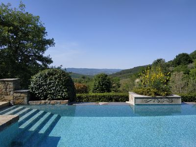 Photo for Apartment with swimming-pool in Tuscany, between Arezzo and Florence