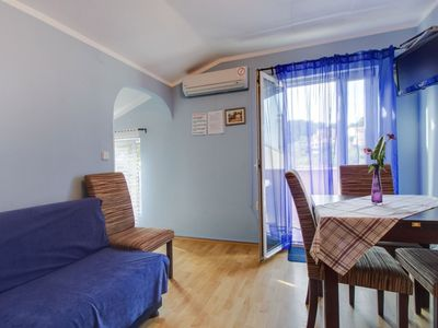 Photo for Spacious Niki 2 apartment in Veli Lusinj with WiFi, air conditioning & balcony.